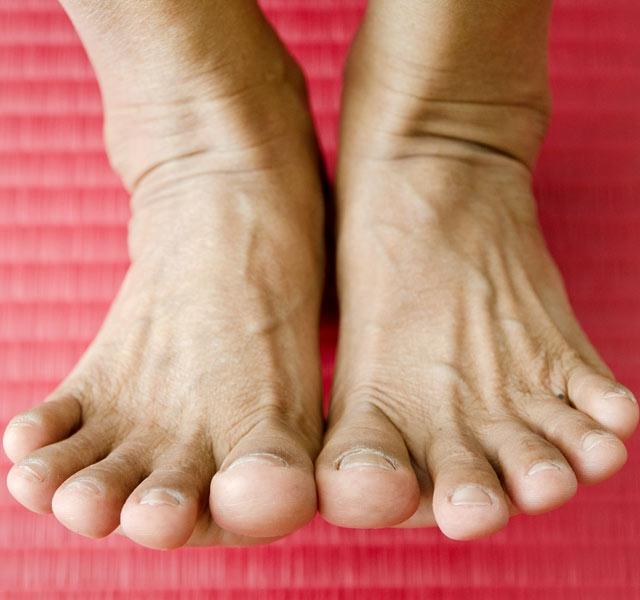 fájdalom a jobb láb térd alatt az ízületek rheumatoid arthritis kezelése