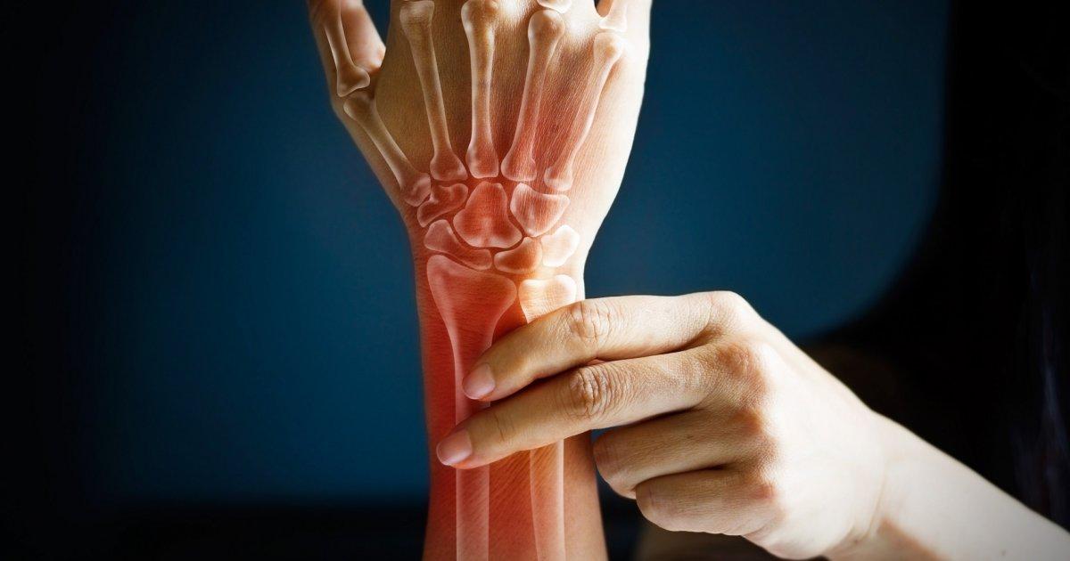 fájdalom a csuklóízületben edzés közben ízületi gyulladás a kezelt ujjakon