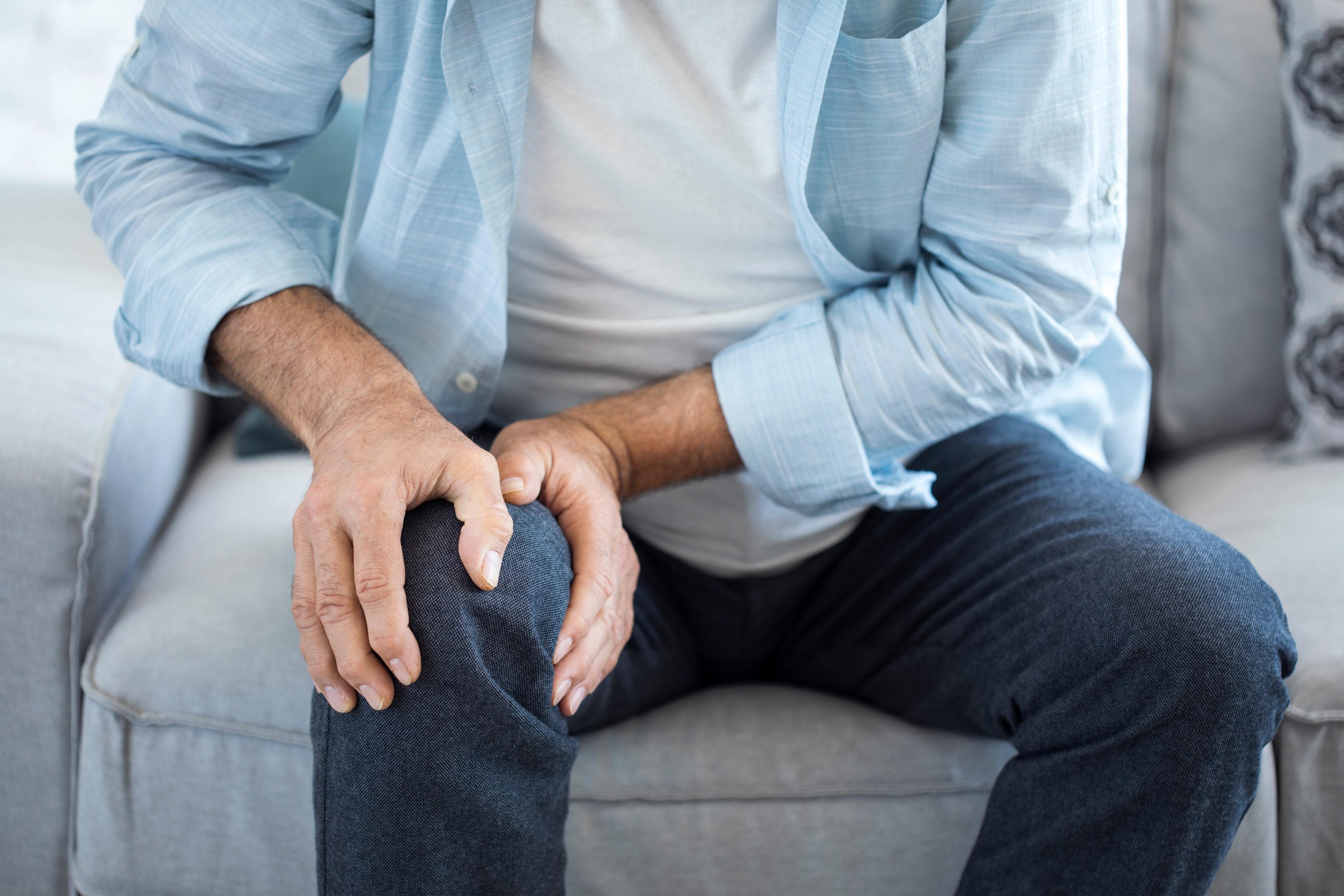 akupresszúra a térdízület fájdalmában úgy, hogy a csípőízület ne fájjon