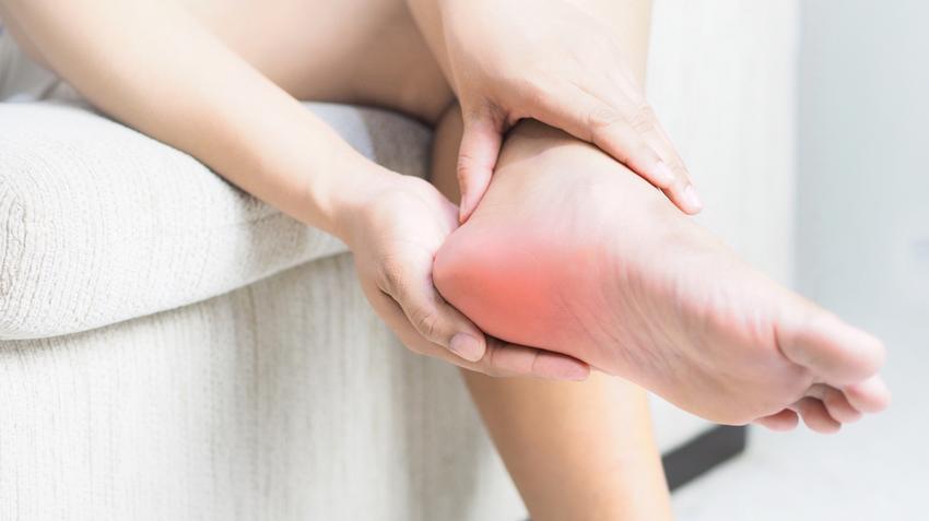 a lábak ízületeinek fájdalma és zsibbadása csípőízületi fájdalmak és összeroppantások