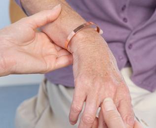 térd összeroppant járás közben váll és váll artrózis kezelés