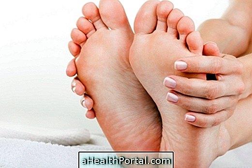 fájdalom a lábujjak és a kezek ízületeiben