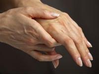 Mely orvos kezeli az alsó végtagok artrózisát ,a hát fáj, majd elengedi